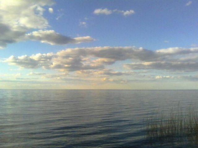 Где находится озеро Ильмень и чем оно знаменито