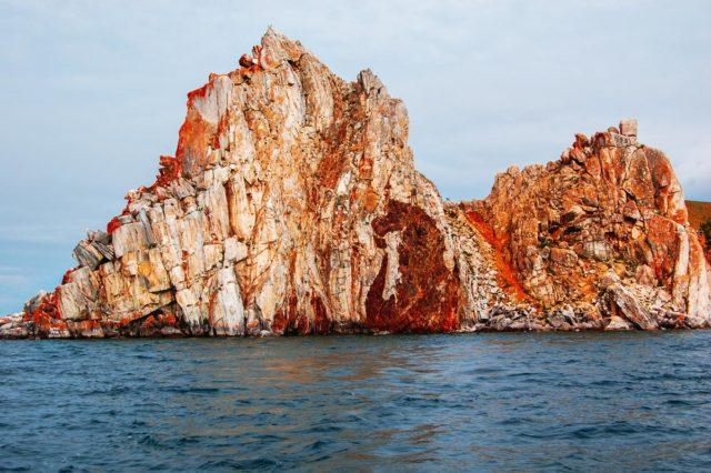 Шаман-скала на Байкале (мыс Бурхан): фото, легенды
